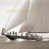 Shamrock V 1931 © Beken of Cowes