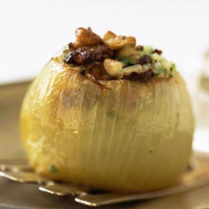 Stuffed onion and garlic