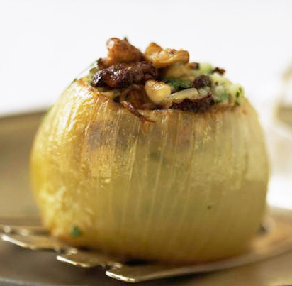 Stuffed onion and garlic