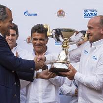 Leonardo Ferragamo presents Igor Frolov the trophy © Nautor's Swan / Studio Borlenghi