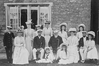 Tsar Nicholas II and King Edward VII with families, August 1909