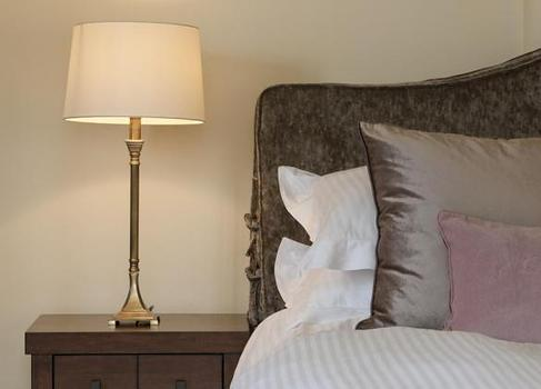 Barton Lake Cottage Bedroom 2