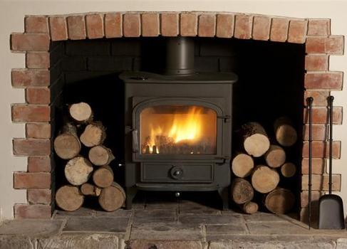 Barton Lake Cottage Wood Burner
