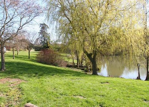 Barton Lake Cottage Gardens 2