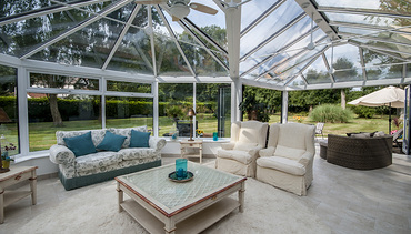 Conservatory with everything