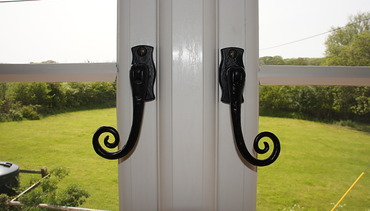 Details…Cast iron traditional style handles