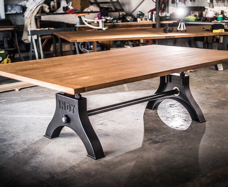 Indy table black