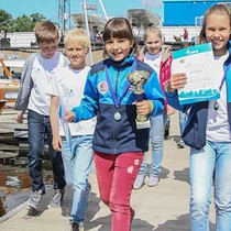 Young optimist sailors took part in the opening ceremony