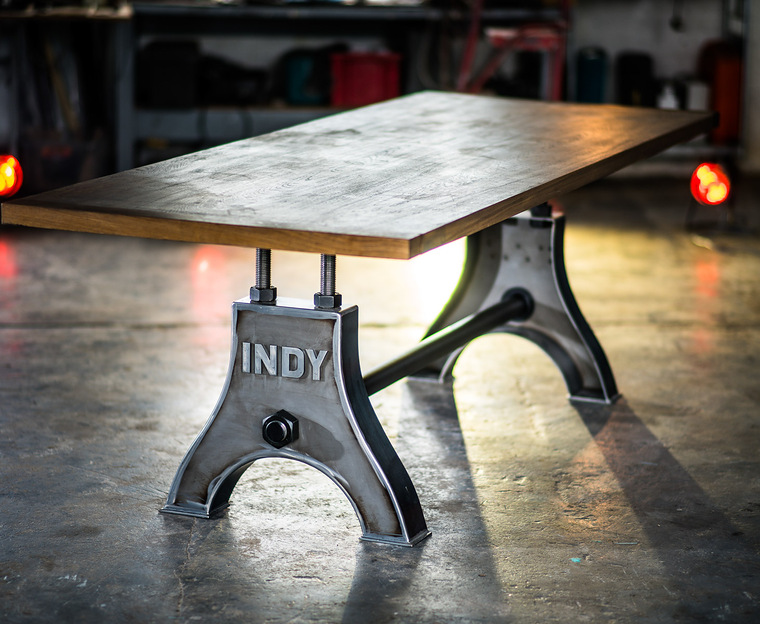 Indy Table Thin in self colour steel