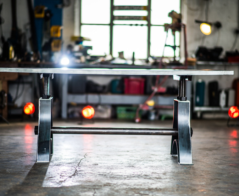 Indy Table Thin Zinc Side