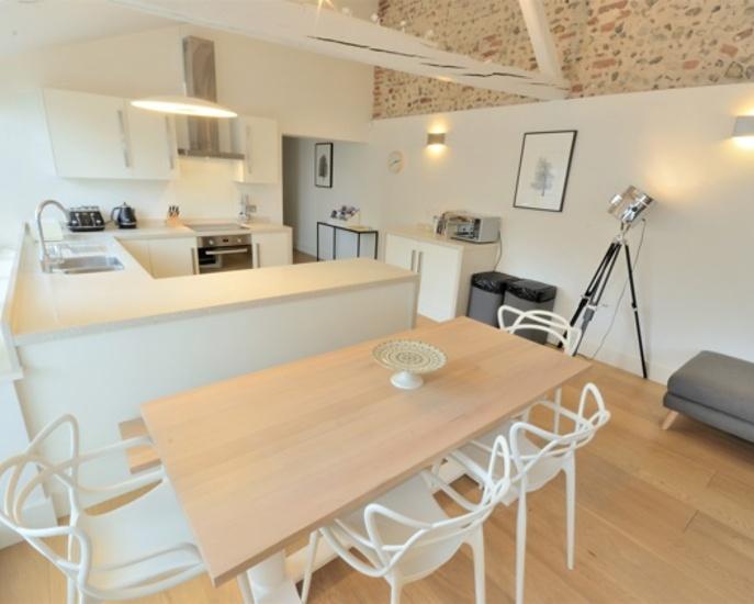 bixies-barn-kitchen.jpg
