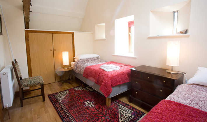 Mill Cottage twin room.jpg