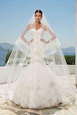 8915 dress and veil.jpg