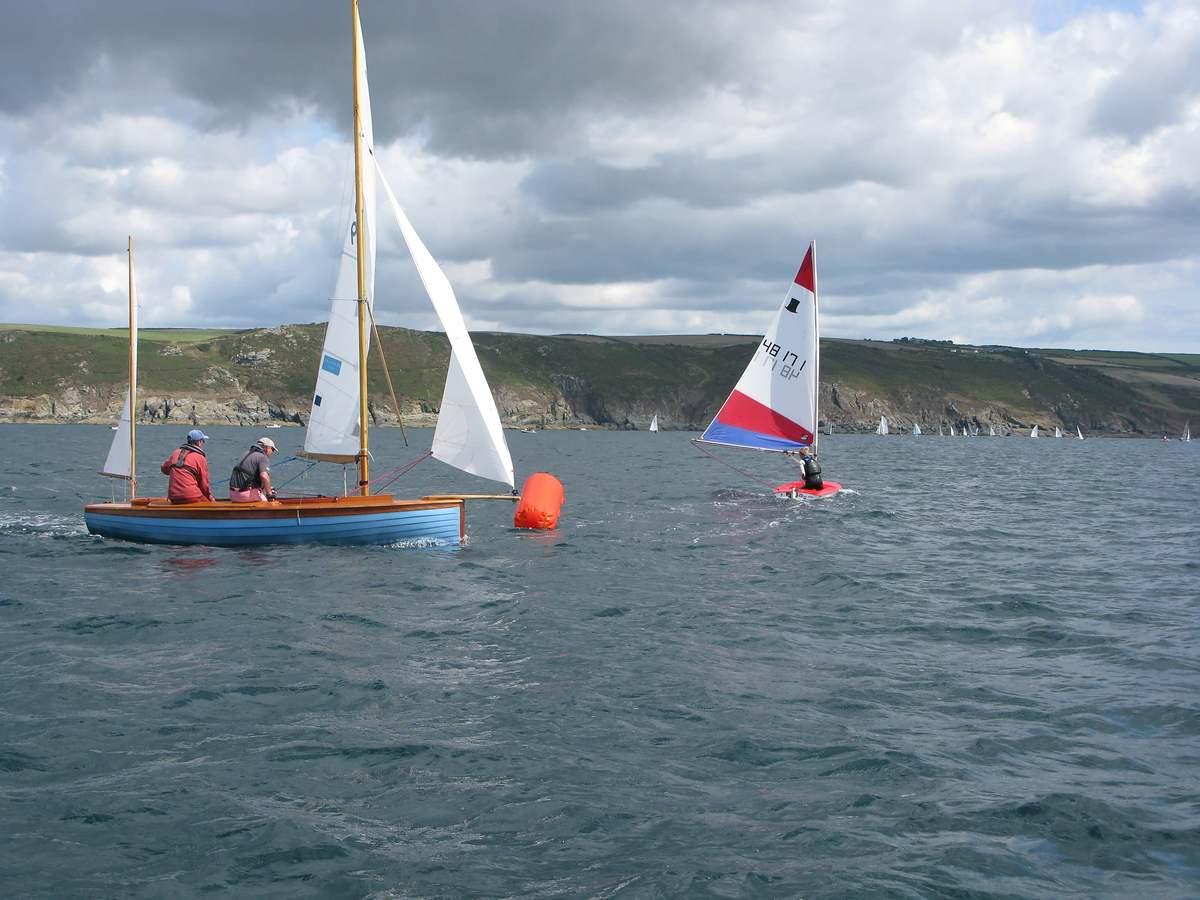 Salcombe Yacht Club Salcombe Yacht Club Bucket Amp Spade