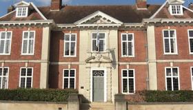 Edes House facade