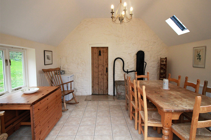 Little Mersley Farmhouse dining room.jpg