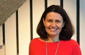 Kathy Bourne.jpg