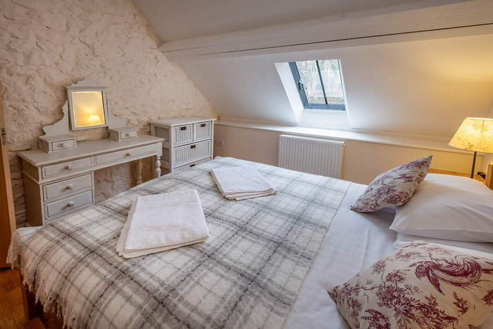 Mill Cottage upstairs double room.JPG