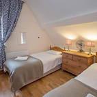 Kiln Cottage twin room.JPG