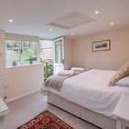Farmhouse Cottage double room.JPG