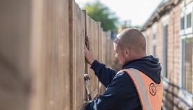 KF-installing-new-fencing-0499-2.jpg