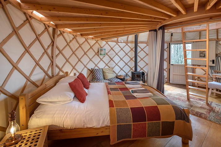 Yurt Leah - Bed.JPG