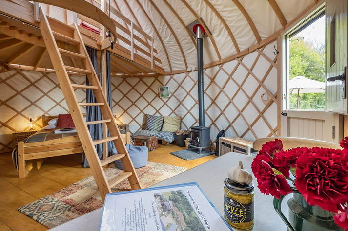 Yurt Leah - interior.JPG