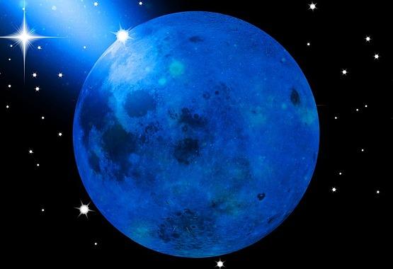 bluemoon600Pixabay.jpg