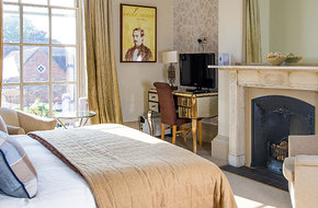 Chichester-harbour-hotel-deluxe-room1.jpg