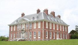 Uppark_House_-_geograph.org.uk_-_772967.jpg